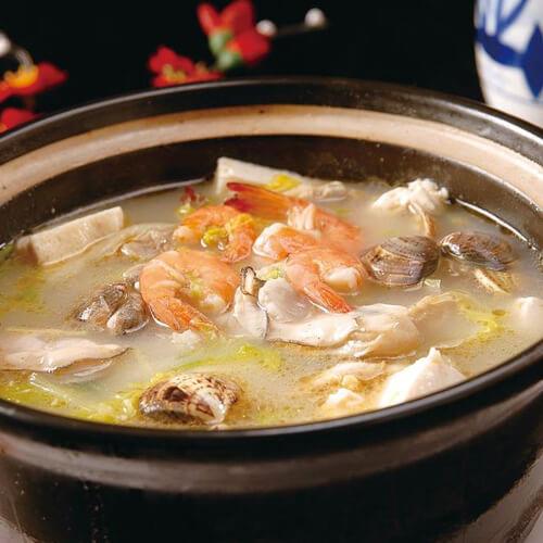 酸菜海鲜排骨煲
