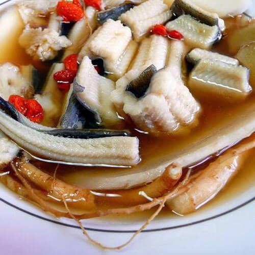 美味的当归煮鳗鱼
