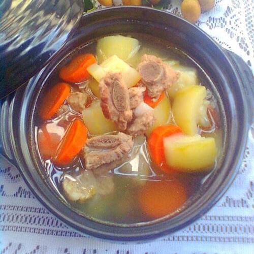 葫芦萝卜龙骨汤