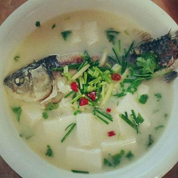 家常的秋葵蛤蜊豆腐汤