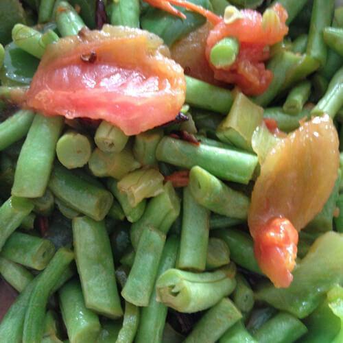 美味的肉末西红柿炒豇豆