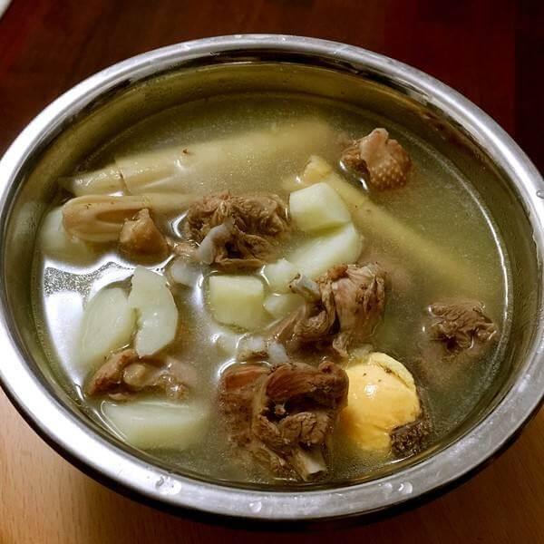 金针老鸭汤