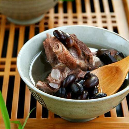 黑豆枸杞煲猪骨
