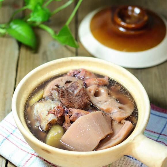 墨鱼干猪龙骨莲藕汤