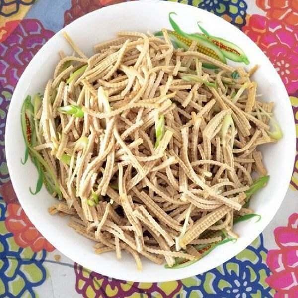 香椿苗拌豆腐丝