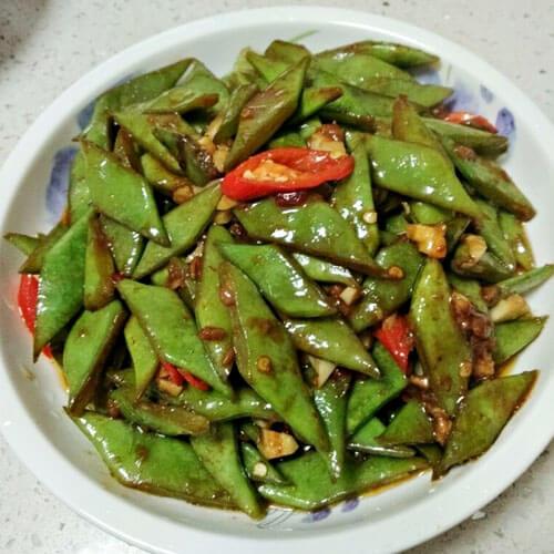 蒜茸酱炒芸刀豆