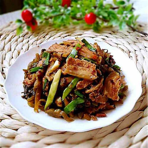 酸菜回锅肉