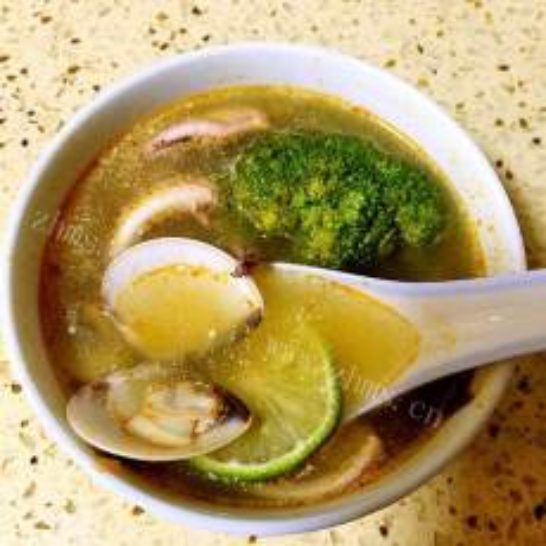 美味冬荫海鲜汤