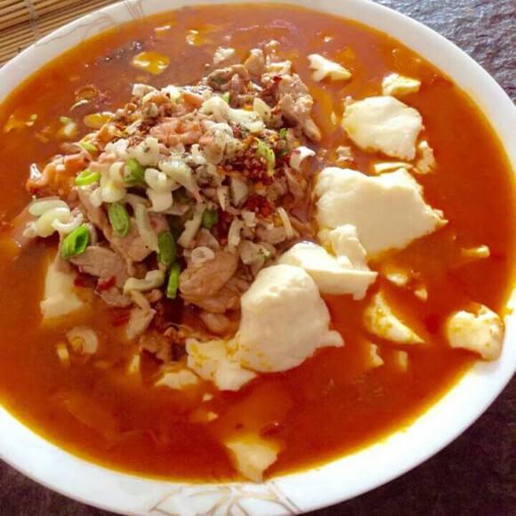 酸汤泡菜豆花肉片