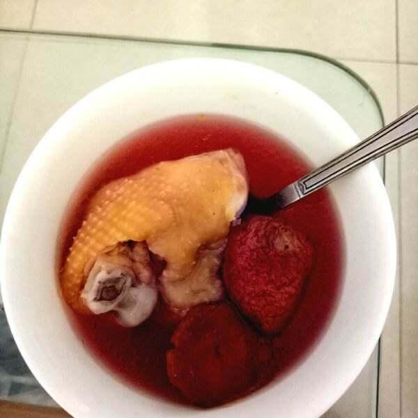 红菇嫩鸡汤