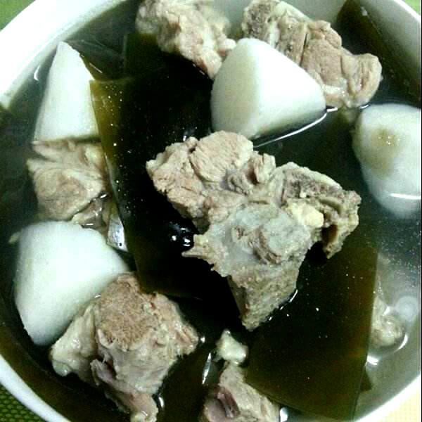海带年糕排骨汤