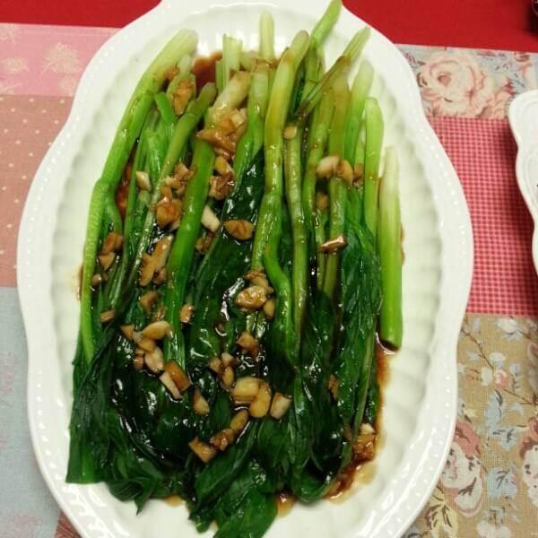 菜心拌黄豆