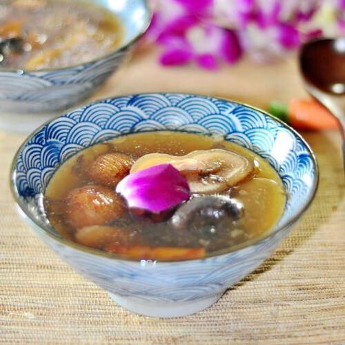 美味的五指毛桃海底椰竹荪蛋