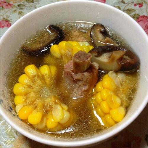 香菇墨鱼排骨汤