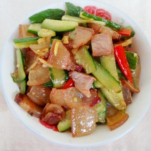 黄瓜炒风吹肉