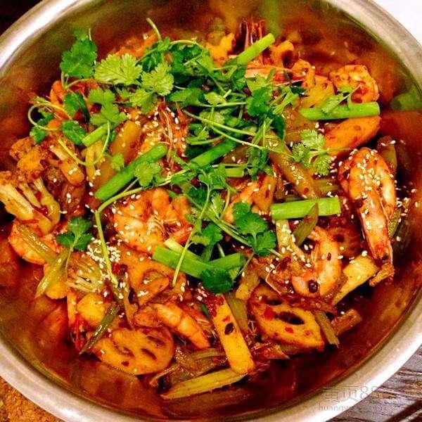 好吃的韩式什菜锅