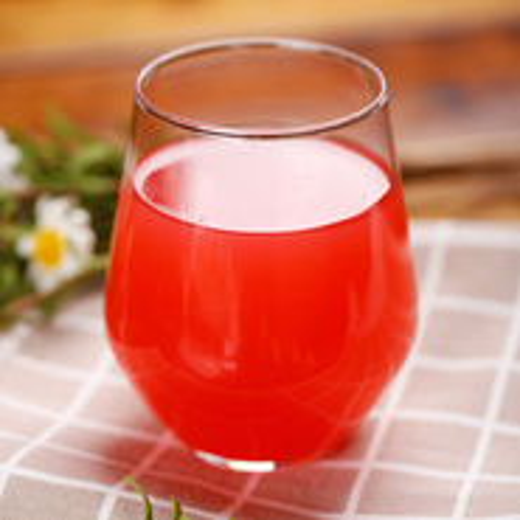 美味的鲜榨红柚汁