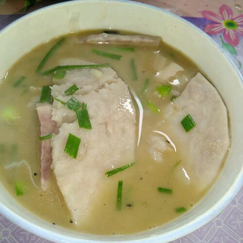 农家青菜滑芋子汤