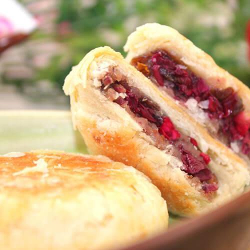 美味的玫瑰酱小麦饼