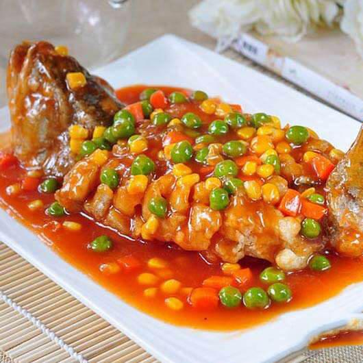 西红柿焖鲈鱼