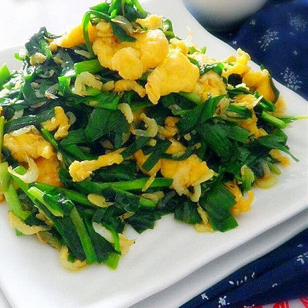 咸肉鸡蛋炒韭菜