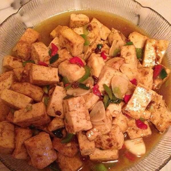 鲜香美味的什锦素炒豆腐