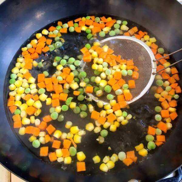 豆瓣酱炒蔬菜丁