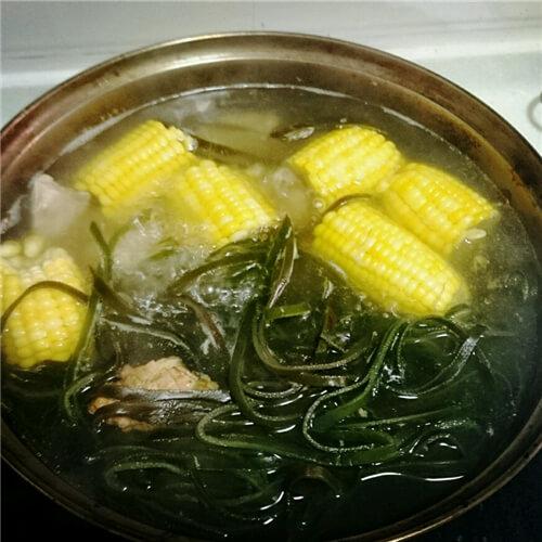 最爱的猪肉海带玉米汤
