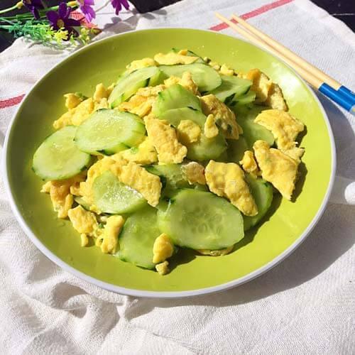 美美厨房之黄瓜炒蛋