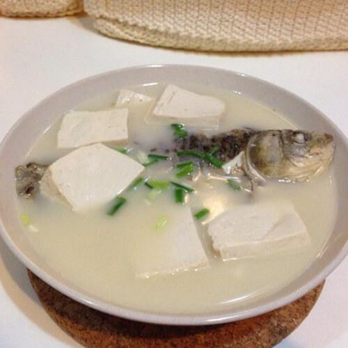 鲫鱼豆腐暖锅