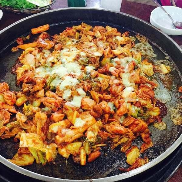 美味的韩式铁板鸡