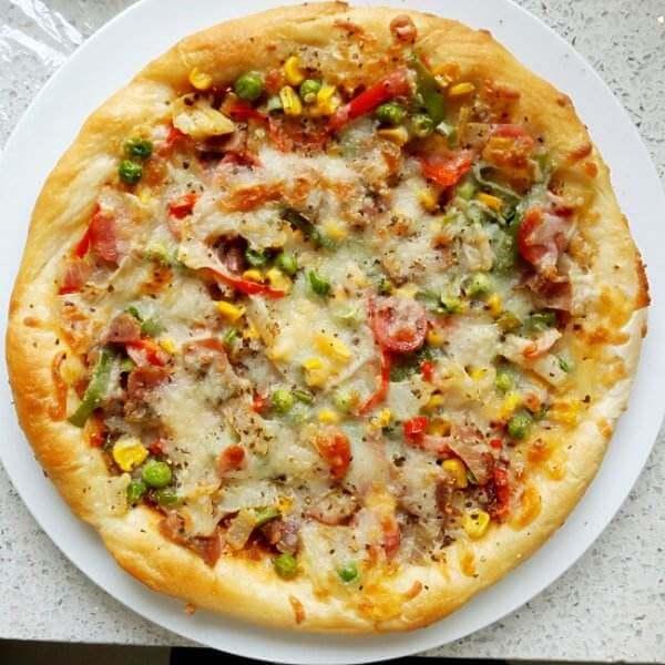 美味的韩式五花肉披萨