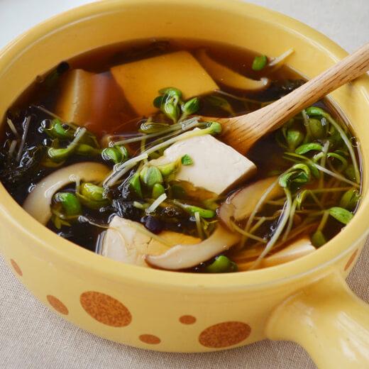 葱花鸡蛋紫菜汤