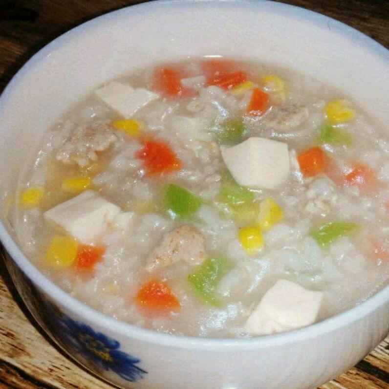 自制豆腐白菜瘦肉粥