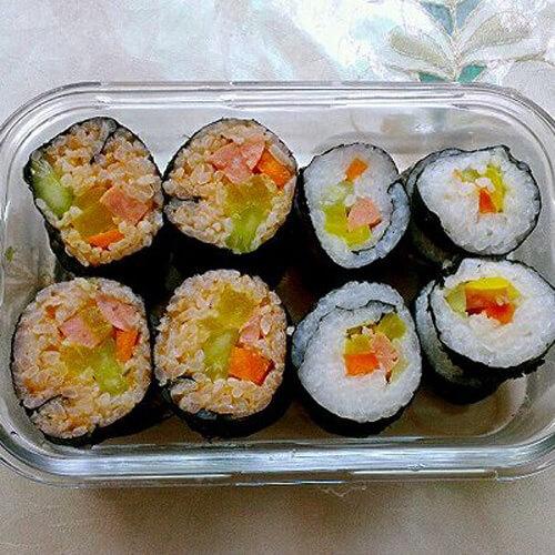 彩色泡菜鸡胸寿司