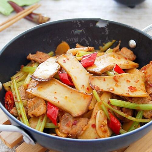 好吃的干锅五花肉杏鲍菇