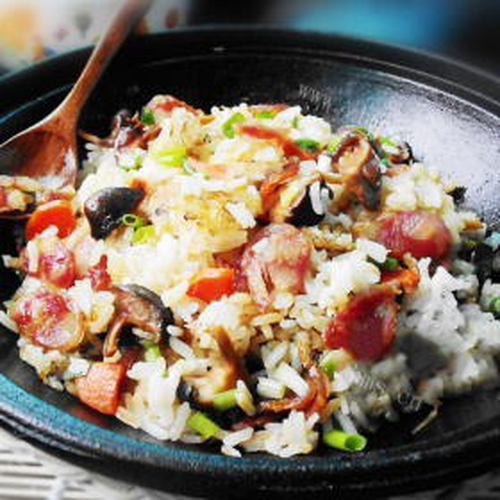 腊肠土豆胡萝卜焖饭