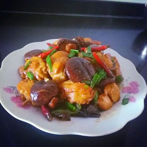 鸡块烧香菇