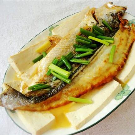 好吃的咸黄花鱼蒸豆腐