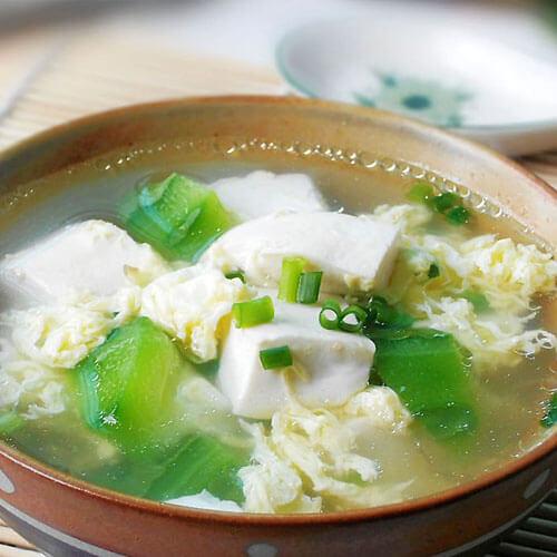 美味菊花脑鸭蛋汤