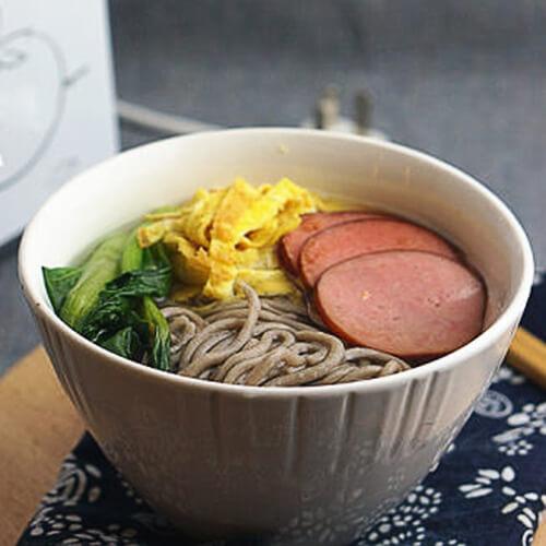 青菜荞麦汤面