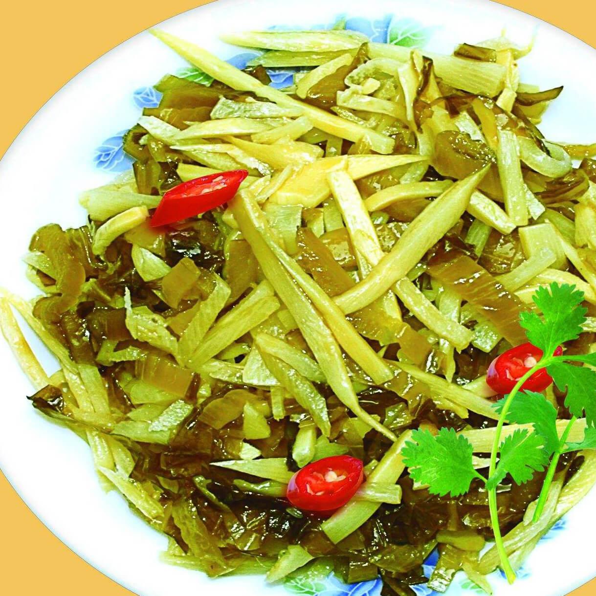 好吃的竹笋烧酸菜