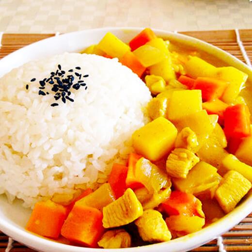 可口的儿童最爱日式咖喱饭