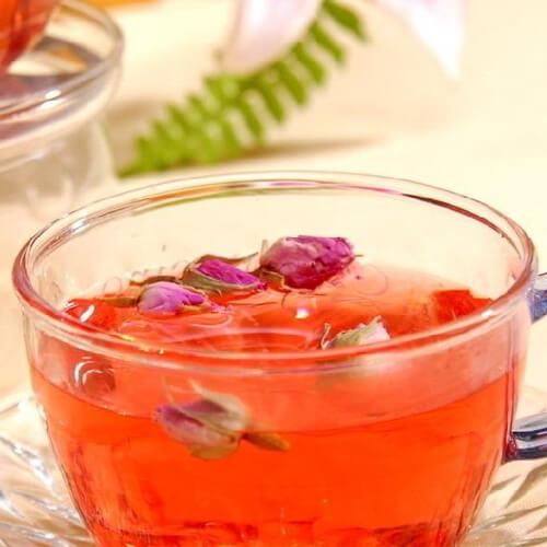 冲泡阿胶玫瑰蜂蜜水