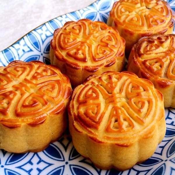 广式蔓越莓蛋黄月饼