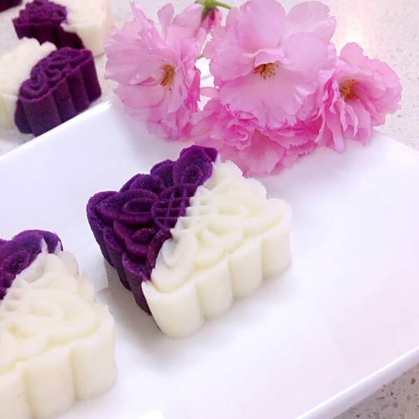 美味的蜂蜜紫薯山药糕