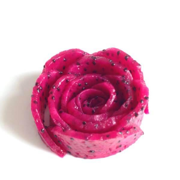 简单又出彩的玫瑰水果花