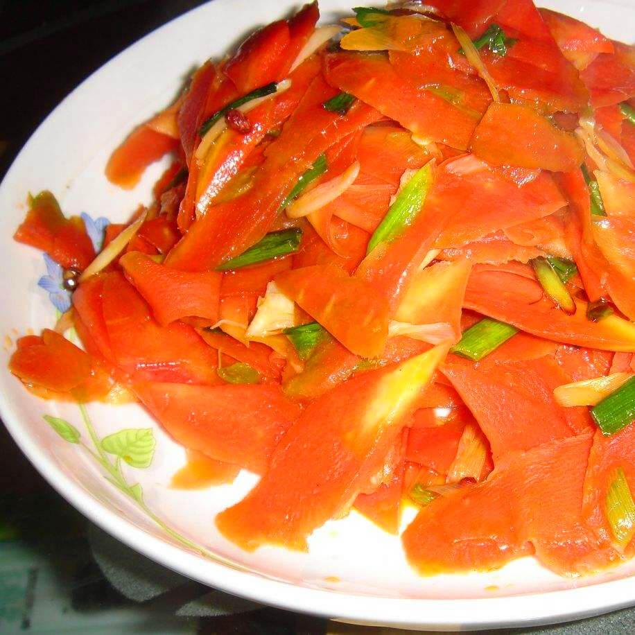 美味的干煸红萝卜