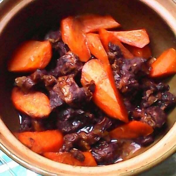 红萝卜炖猪肉