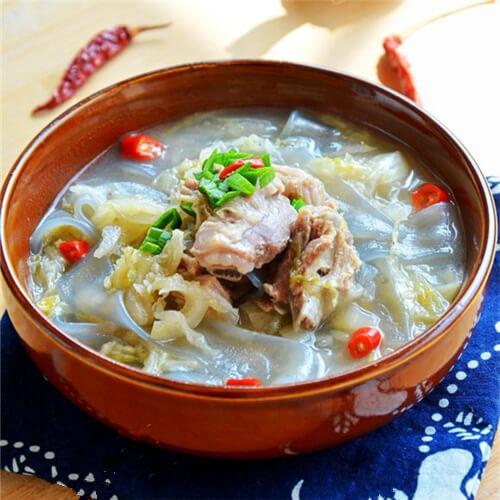 东北酸菜炖羊骨